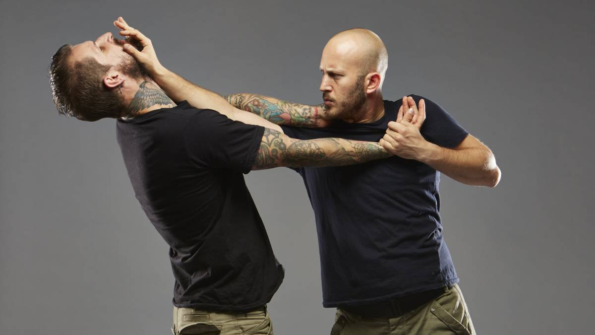 Start your self-defence lesson with krav maga for beginners